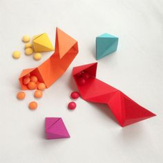 Easy geometric origami with many uses. Make garlands & backdrops, favor boxes, play jewellery with one simple origami