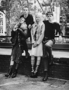 Scene On The Street (W Magazine) en We Heart It. http://weheartit.com/entry/12362510/via/Zukoalone
