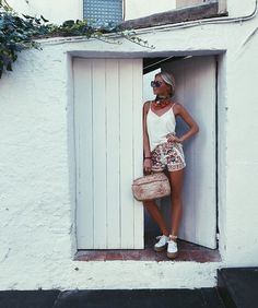 Claartje Rose, Dutch blogger, embroidered short, white, summer fashion