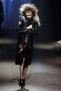 Alexander McQueen Fall 1997 Ready-to-Wear Fashion Show - Jodie Kidd