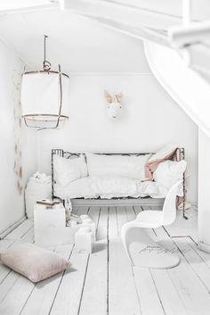 // Kids Room - All White