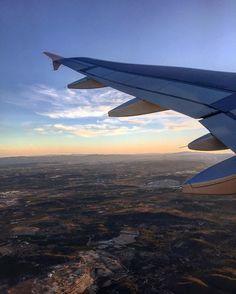Der #Sonne entgegen!  das ist genau der Grund weshalb ich Fensterplätze liebe!  Goodbye #valencia and hello @zermattunplugged @flyswiss #swiss #airline #plane