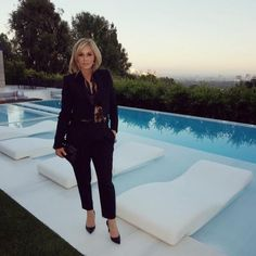 Anastasia Soare's background in engineering and architecture helped her master the art of eyebrows. Anastasia Soare, Anastasia Brow, The Hundreds, Hair Health, Anastasia Beverly Hills, Style Icons, Eyebrows, How To Become, Take That