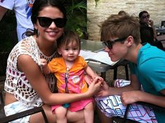 #TBT That time Kailyn got to hang with Bieber and Selena Gomez in Hawaii . . . #throwbackthursday