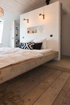 White bathrooms 348325352426330300 - ZARA – Studio Scott locaties voor fotoshoots Source by AuCDI Bedroom With Ensuite, Bedroom Black, Bedroom Green, Closet Bedroom, Home Bedroom, Bedroom Wall, Master Bedroom, Bedroom Decor, Green Bedrooms