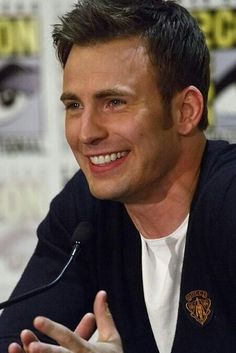 Chris Evans has the best smile ever!