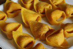 "Pumpkin tortelloni - ""The Art of Making Homemade Pasta in Bologna"" by Lauren Aloise on spanishsabores.com"