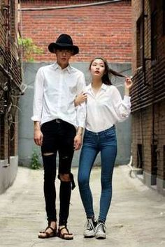 Street style: Jung Sung Jun and Oh Hye Rim shot by Style K - FAN fun - Styles Cool Korean Fashion Teen, Korean Fashion Summer Casual, Korean Street Fashion, Teen Fashion, Vogue Fashion, Fashion Models, Fashion Trends, Fashion Styles, Couple Look