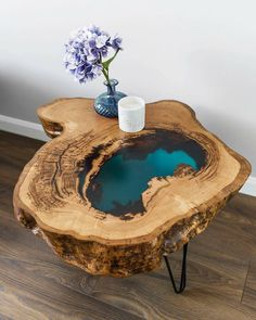 epoxy resin table how to make . epoxy resin table diy how to make . Epoxy Wood Table, Epoxy Resin Table, Epoxy Resin Art, Diy Epoxy, Resin And Wood Diy, Wood Tables, Wood Table Design, Diy Resin Crafts, Stick Crafts