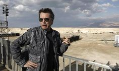 Pioneering electronic musician Jean-Michel Jarre has said he wants to use an all-night concert at the Dead Sea to highlight what he sees as the anti-environmental policies of Donald Trump.