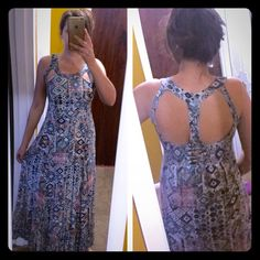 Solitaire long dress Worn once like new fab: 100% rayon , lining: 100% polyester length: 131cm from crew neck 138 from shoulder Solitaire Dresses Maxi