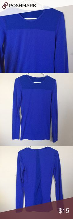 fabletics performance shirt EUC Worn once. Performance long sleeve blue top. Fitted with small band on bottom to prevent shifting while working out. Very comfortable and breathable. Smoke/pet free house.**bundle with other fabletics items for 15% discount Fabletics Tops