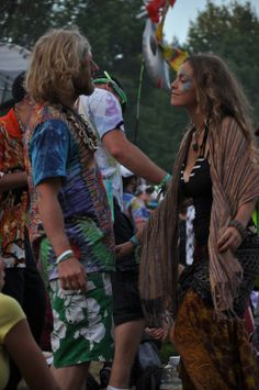 Electric Forest 2013 . Style Diaries . Face Paint . Tie Dye . Shawl
