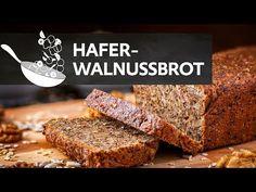 Dieses glutenfreie Haferbrot mit Walnüssen schmeckt wunderbar und hat dank der verwendeten Kerne, Nüsse und Samen viele vitalisierende Nährstoffe.