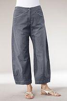 pantaloni | trousers