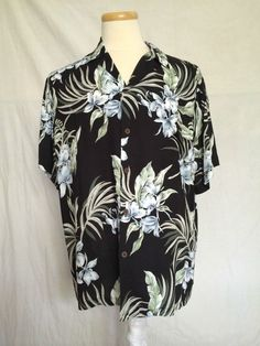 Reserve hawaiian mens shirt floral leaf black 100 % rayon made in Hawaii large