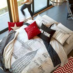 New York duvet cover set. Red, white and black bedroom decor.