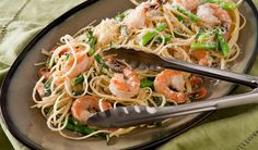 Asparagus and Shrimp Linguine - I must repost this now because I just made it. This was possibly the best pasta of my existence. Pasta Recipies, Best Pasta Recipes, Quick Recipes, Quick Easy Meals, Seafood Recipes, Shrimp Linguine, Linguine Recipes, Dinner Dishes, Pasta Dishes