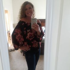 Ashley from GA... you are killin' this BBB look! The Black Coral Floral Chiffon Off Shoulder Top looks amazing on you!