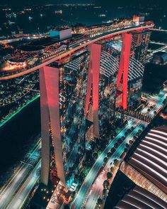 Triplets in Red, Marina Bay Sands Hotel, Singapore 🇸🇬 by kevouthere Marina Bay Sands, Sands Singapore, Singapore Travel, Places To Travel, Places To Visit, Wanderlust Hotel, Archi Design, Architect Design, Destinations