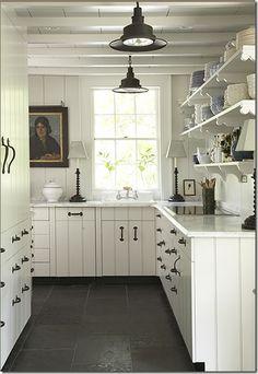 Lovely cottage style kitchen