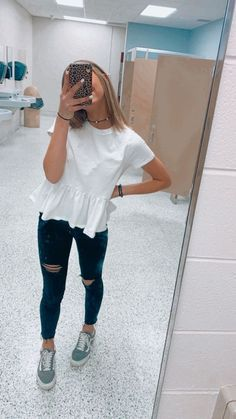 Style Fashion Tips .Style Fashion Tips Casual School Outfits, Teenage Outfits, Cute Comfy Outfits, Cute Teen Outfits, Teen Fashion Outfits, Cute Summer Outfits, Look Fashion, Stylish Outfits, Girl Outfits