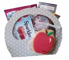 Polka Dot Rosh Hashana Gift basket! Send this cute tote bag filled with apple and honey holiday treats. An economical gift that makes a big impression!
