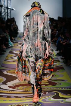 Emilio Pucci Fall 2017 Ready-to-Wear Fashion Show oh oh oh Comme des garconnes?