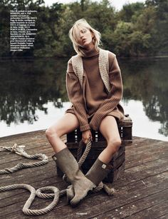 'Into-The-Wild'-Anja-Rubik-by-Thomas-Lagrange-for-Vogue-Paris-October-2014-9