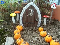 4 November 2012: Fairy Garden Door sold on eBay for £5.31