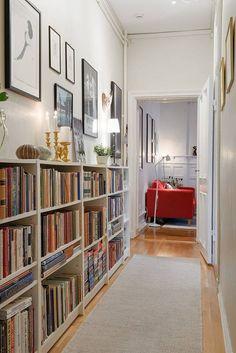 En passage leder vidare i lägenheten Home Library Rooms, Home Library Design, Home Libraries, Home Interior Design, House Design, Home Living Room, Apartment Living, Living Room Decor, Home And Deco