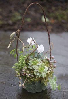 driftwood floral arrangements | Woodland Workshop | Françoise Weeks European Floral Design