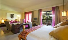 We will brighten up your day from the moment you wake up in your colorful room at Club Med  Albion Plantation (Mauritius).