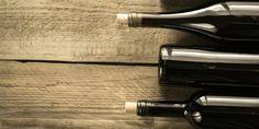 Die wichtigsten roten Rebsorten - alles was Sie wissen müssen! Save Water, Drinking Water, Wine Rack, Champagne, Cocktails, Dinner, Good Red Wine, Craft Cocktails, Dining