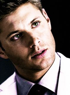 Dean Winchester - Jensen Ackles
