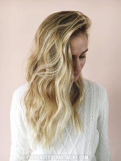 There's something about relaxed, undone waves on shorter lengths that just feels incredibly chic. It might be on of the most popular inquiries on my instagram when I post hair photos. I get asked what products I use, what curling iron size I use and what my secret is for this look. It's a combination...