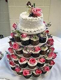 Giant hostess wedding cakes