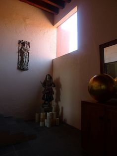 Luis Barragan's Casa Eduardo Prieto Lopez Frank Lloyd Wright, Mexican Art, Postmodernism, Art And Architecture, Photo Art, Sconces, Wall Lights, Interior Design, Cabins