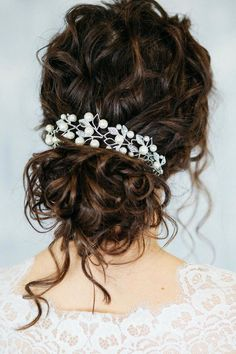 Pearl bridal hair comb, double bridal comb, silver wedding headpiece, gold bridal hair piece, leaves - Hairstyles For All Box Braids Hairstyles, Bride Hairstyles, Wedding Hairstyles For Curly Hair, Curly Bridal Hair, Curly Wedding Updo, Curly Hair Ponytail, Short Hairstyles, Hair Wedding, Indian Wedding Hair