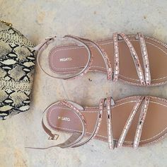 Sparkling s(C)andals by Migato ❤  #migato #shoes #pink #sandals #saturday #potd #flatlay #styleoftheday #style #chic #instamoment #instafashion #instafollow #instabeauty #instashop #shoeslover #fashionista #fashionlove #styleblogger #stylegram #bloggerstyle #bloggerlife #marble #greecestagram #followforfollow #blogger #photography #girlboss #fashionblogger #zkstyle