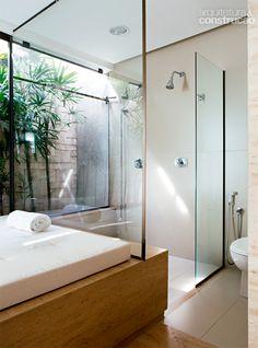 Banheiros e lavabos com jardins de inverno quais for Banos ultramodernos