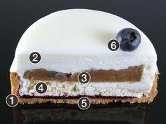 Ce mont-blanc est composé de : ➊Pâte sablée ➋chantilly ➌Crème de marron avec des éclats de marrons glacés ➍Meringue ➎compotée de cassis noirs ➏Cassis frais et vermicelles de crème de marron en décoration. Cette pâtisserie est vendue au PRIX DE 6€.