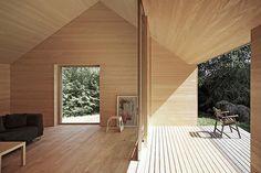 Haus Fohren in Austria was designed by Architekt Di Bernardo Bader Residential Architecture, Interior Architecture, Interior And Exterior, Modern Interior, Ideas Cabaña, Modern Barn House, Tiny House Cabin, House In The Woods, Villa