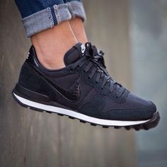 Nike Internationalist Black, Cute Shoes, Me Too Shoes, Sweat Style, Basket Style, Shoes 2018, Prom Shoes, Wedding Shoes, Dress Shoes