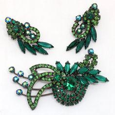 Juliana D&E Book Piece Green Rhinestone Swirling Demi Parure Brooch Earrings #Juliana