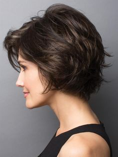 New Bob Haircuts 2019 & Bob Hairstyles 25 Bob Hair Trends for Women - Hairstyles Trends Short Hair With Layers, Short Hair Cuts For Women, Short Hairstyles For Women, Bob Hairstyles, Bob Haircuts, Vintage Hairstyles, Layered Hairstyles, Modern Haircuts, Formal Hairstyles