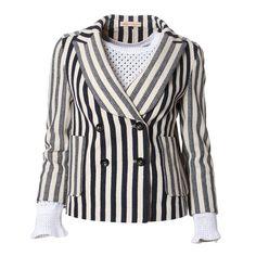 스트라이프 패턴에 더블버튼 디자인이 깔끔한 느낌의 쟈켓이예요~!  솔리드컬러의 이너와 코디하여 세미정장으로 입으실수 있는 박시한핏의 봄자켓! @엘로데 질바이질스튜어트