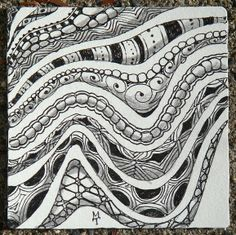 Bordering with tangles by Maria Thomas, Zentangle co-founder by alissa Tangle Doodle, Tangle Art, Zen Doodle, Doodle Art, Zentangle Drawings, Doodles Zentangles, Zentangle Patterns, Doodle Drawings, Tangled