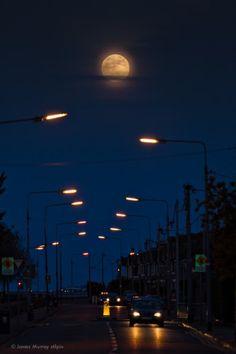 A super moon seen over Ireland last night