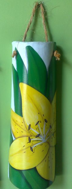 Telha+de+lírio+amarelo.jpg (612×1600)